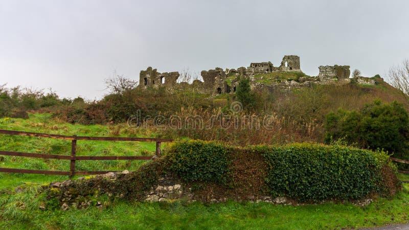 Rocha de Dunamase no condado Laois, Irlanda foto de stock