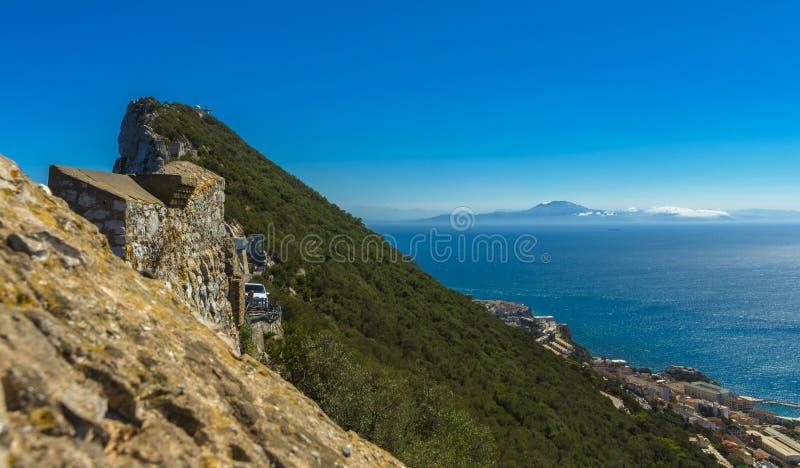 Rocha de Gibraltar e continente africano foto de stock