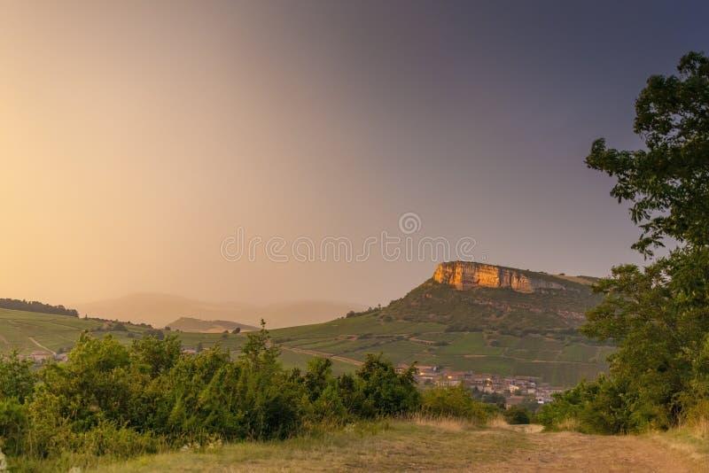 Rocha de Vergisson, Borgonha, França fotografia de stock