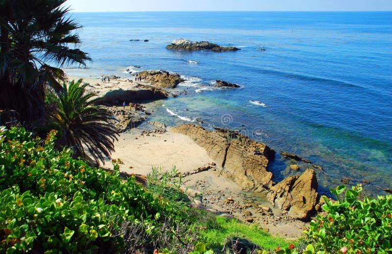 Rocha do pássaro fora do parque de Heisler. Laguna Beach, Califórnia. imagem de stock royalty free