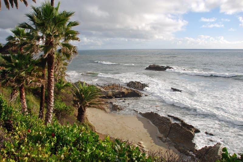Rocha fora do Laguna Beach do parque de Heisler, CA do pássaro imagens de stock