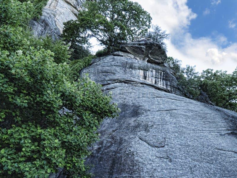 A rocha maciça da chaminé imagem de stock
