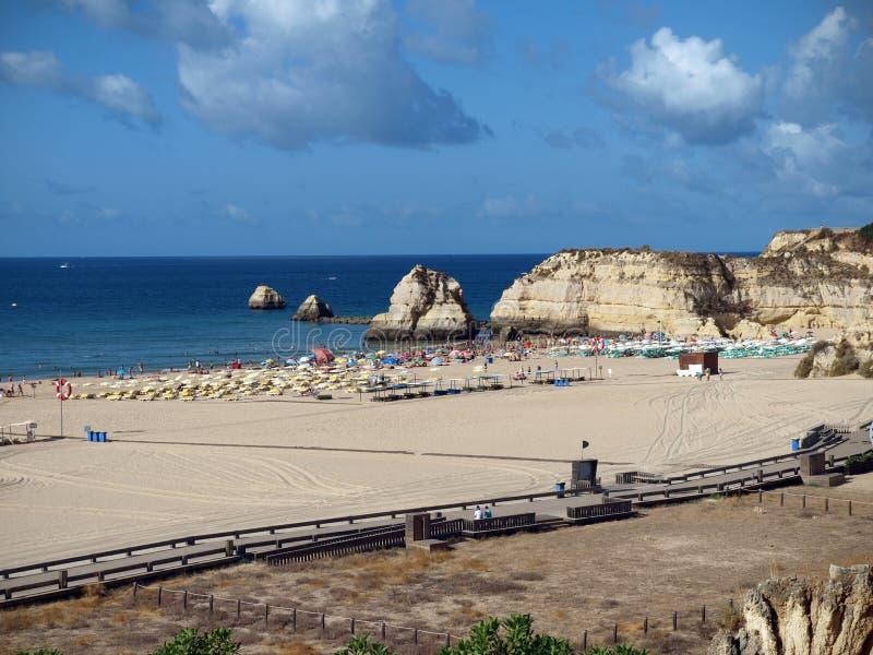 rocha praia portimao da пляжа стоковая фотография rf