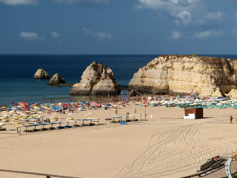 rocha praia portimao da пляжа стоковое фото rf