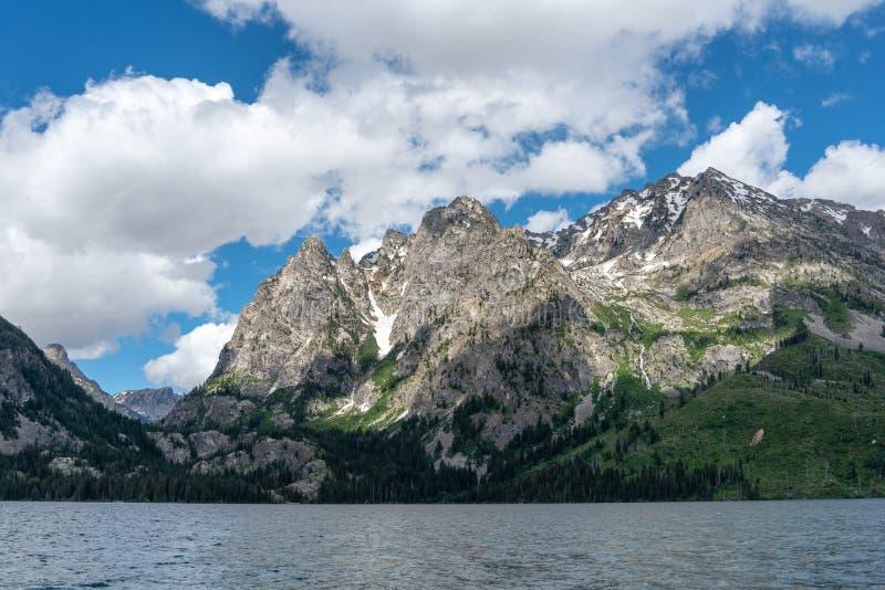 Rochas ásperas - montanhas em Noruega imagens de stock royalty free