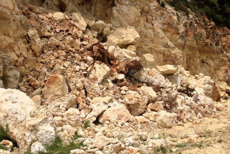 Rochas de queda do perigo na Creta, Grécia, Europa foto de stock