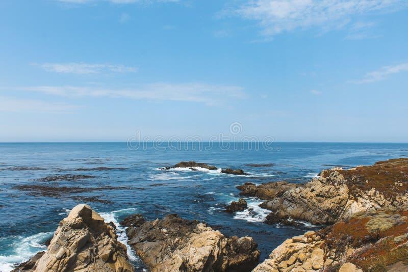 Rochas do mar Monterey Ca, foto de stock