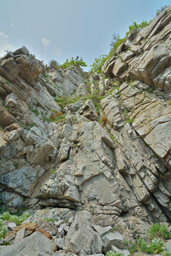 Rochas e céu 3 imagem de stock