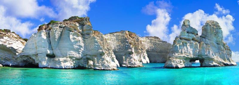 Rochas e mar impressionantes de turquesa, Kleftiko, milos ilha, Grécia imagens de stock royalty free