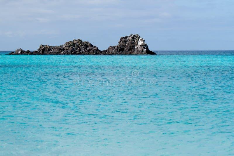Rochas fora dos consoles de Galápagos fotografia de stock