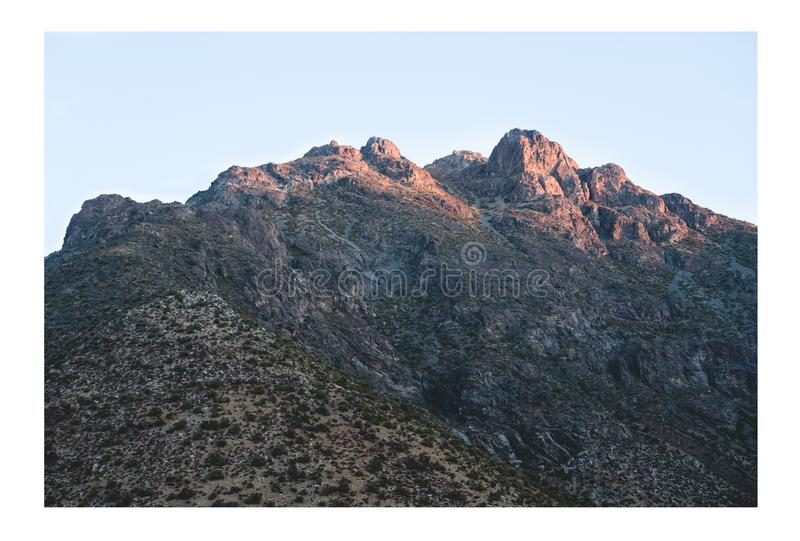 Rochas grandes nas montanhas foto de stock royalty free