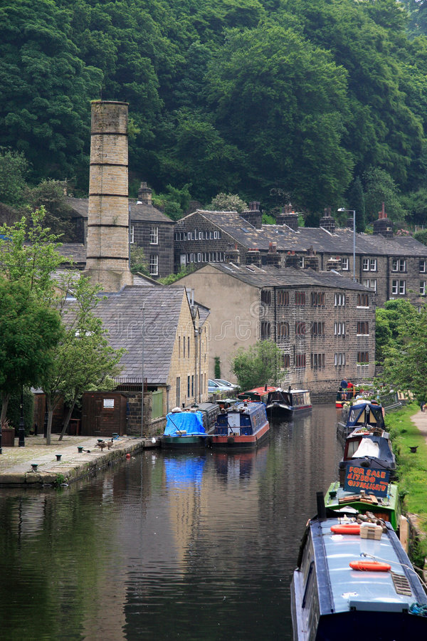 Free Rochdale Canal At Hebden Bridge Royalty Free Stock Images - 5355569