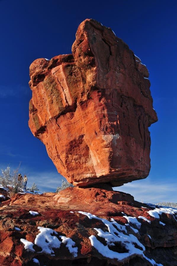 roche équilibrée de dieux de jardin photos libres de droits