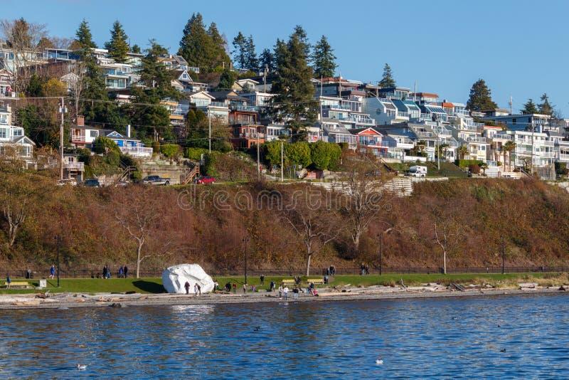 Roche blanche, Canada - vers 2018, Chambres le long du bord de mer photos stock