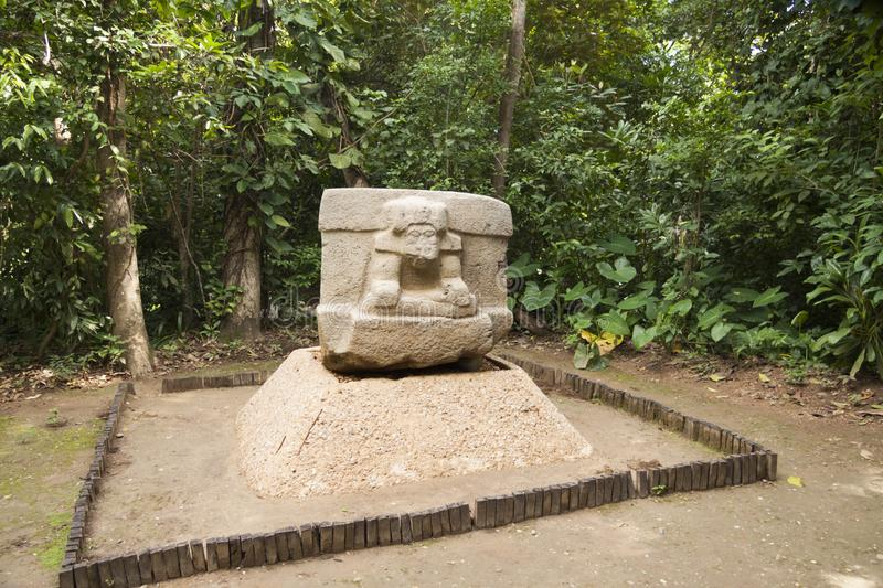 Roche d'Olmec découpant la sculpture, La Venta, Villahermosa, Tabasco, Mexique photos stock