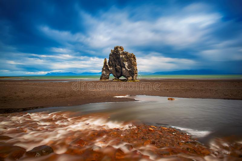 Roche de Hvitserkur en Islande photo stock