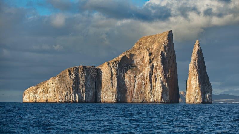 Roche de joueur dans les îles de Galapagos image stock