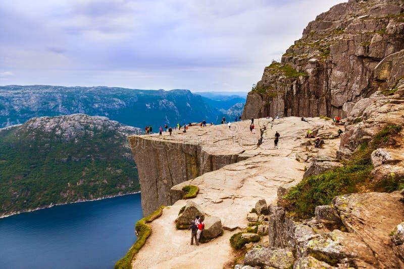 Roche de pupitre de prédicateurs dans le fjord Lysefjord - Norvège photographie stock