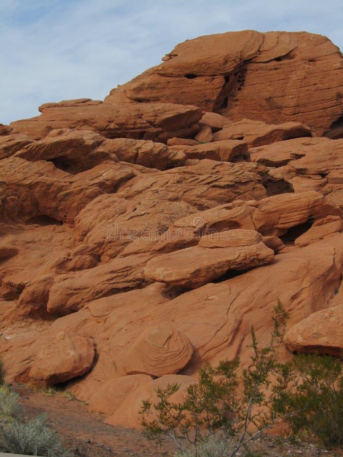 roche rouge affleurante images libres de droits