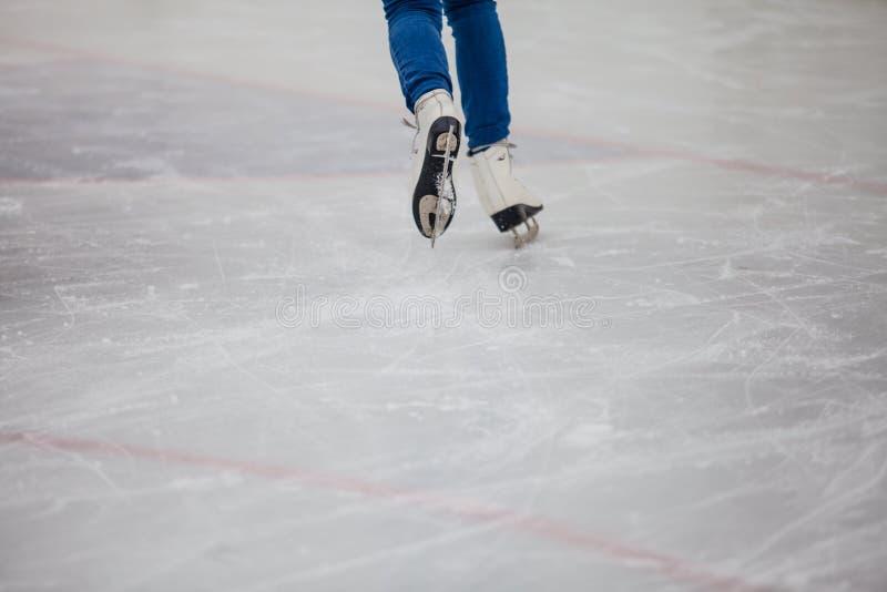Rochen auf der Eisbahn, Beschaffenheit des Eises lizenzfreie stockfotografie