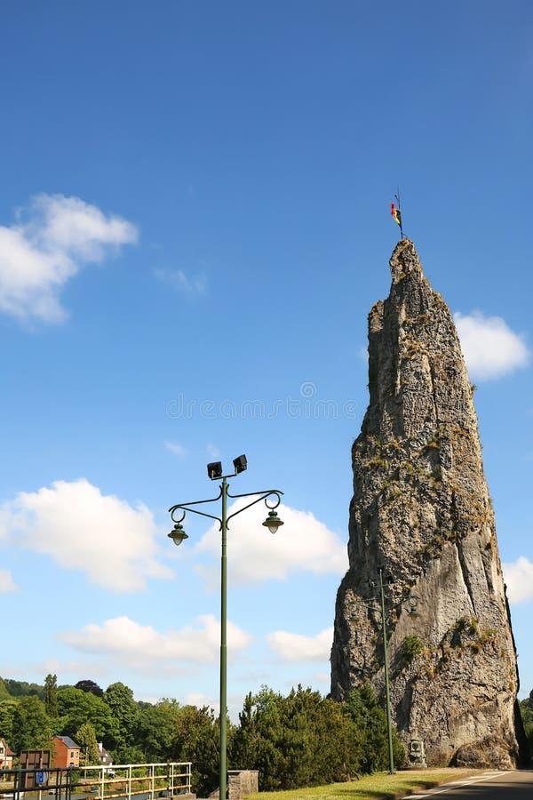 Rocher Bayard es una formación de roca en Bélgica imagen de archivo