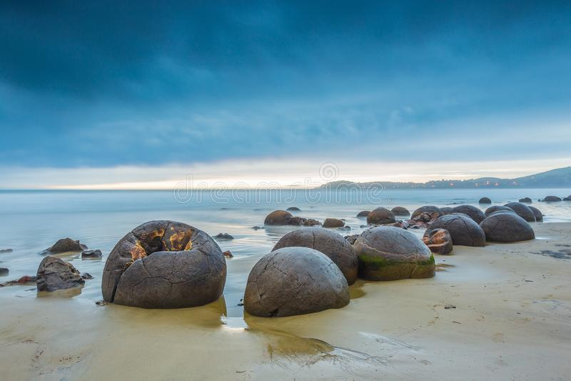 Rochers de Moeraki Oamaru Nouvelle-Zélande photos libres de droits