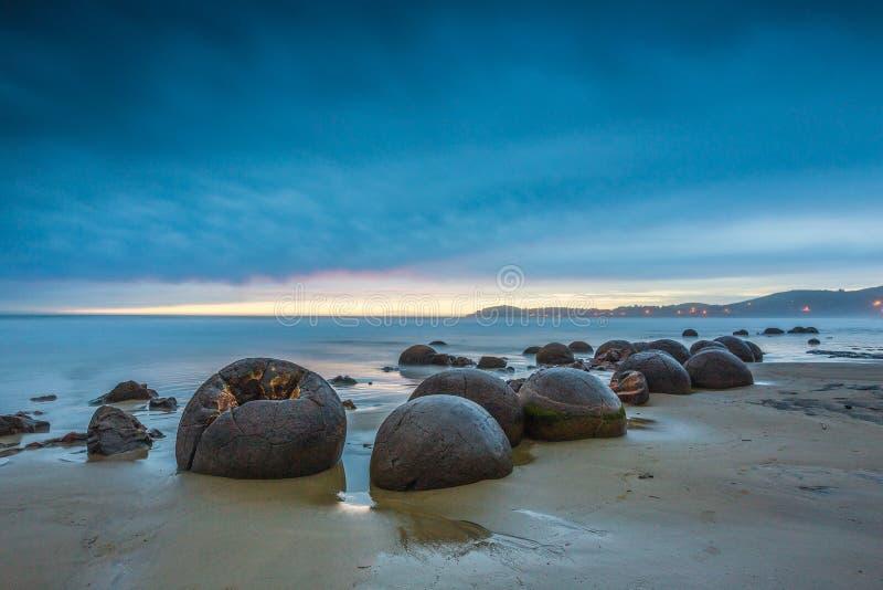 Rochers de Moeraki Oamaru Nouvelle-Zélande photographie stock libre de droits