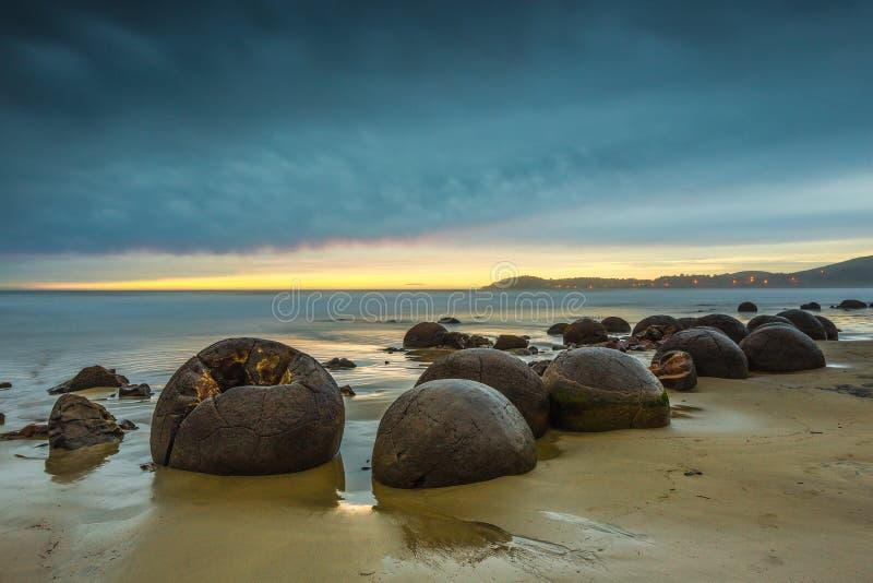 Rochers de Moeraki Oamaru Nouvelle-Zélande images libres de droits