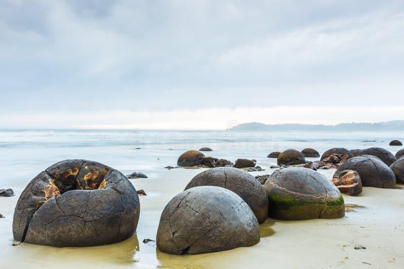 Rochers de Moeraki Oamaru Nouvelle-Zélande image libre de droits