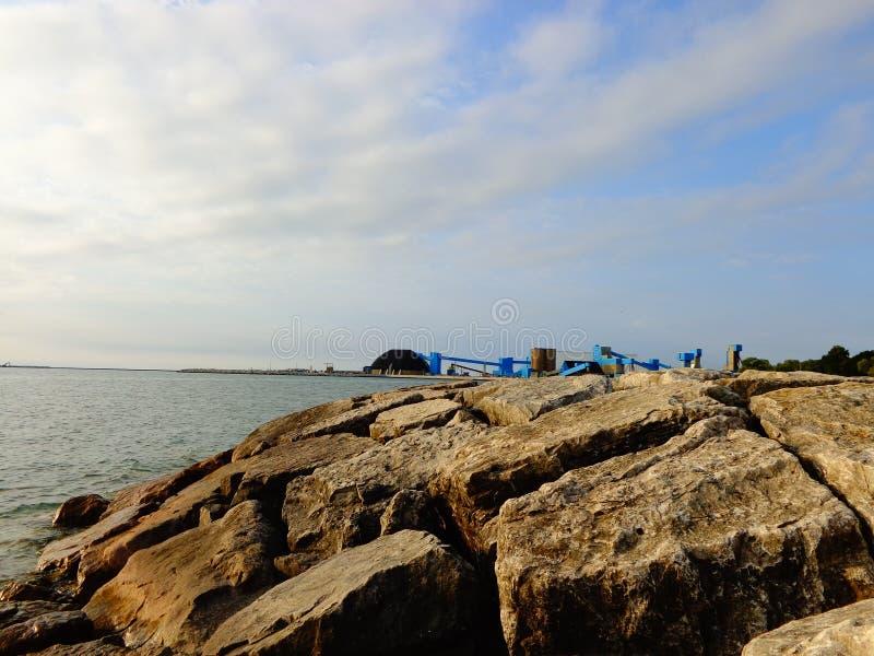 Roches à la plage photos libres de droits