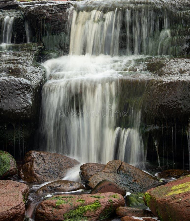 Download Roches d'une cascade photo stock. Image du cascade, edward - 56485588
