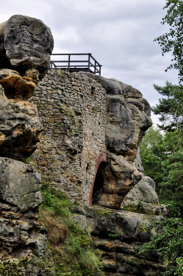 Roches de Bohème tchèques de Klokoci de paradis photos stock
