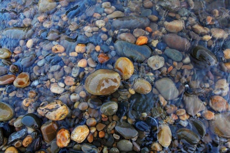 Roches de fleuve images stock