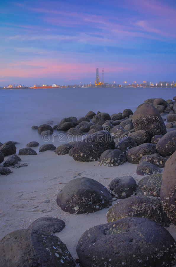 Roches de la plage #2 de Punggol image libre de droits