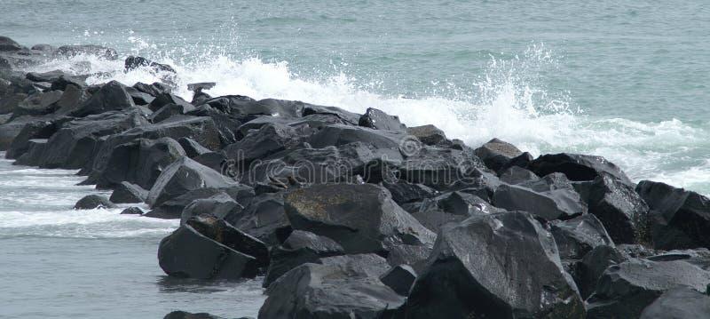 Roches de mer image stock