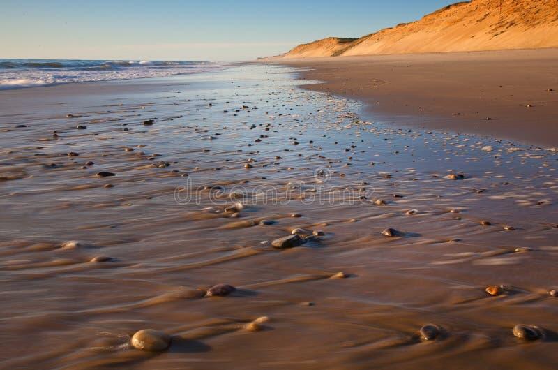 Roches de plage au marconi photo libre de droits