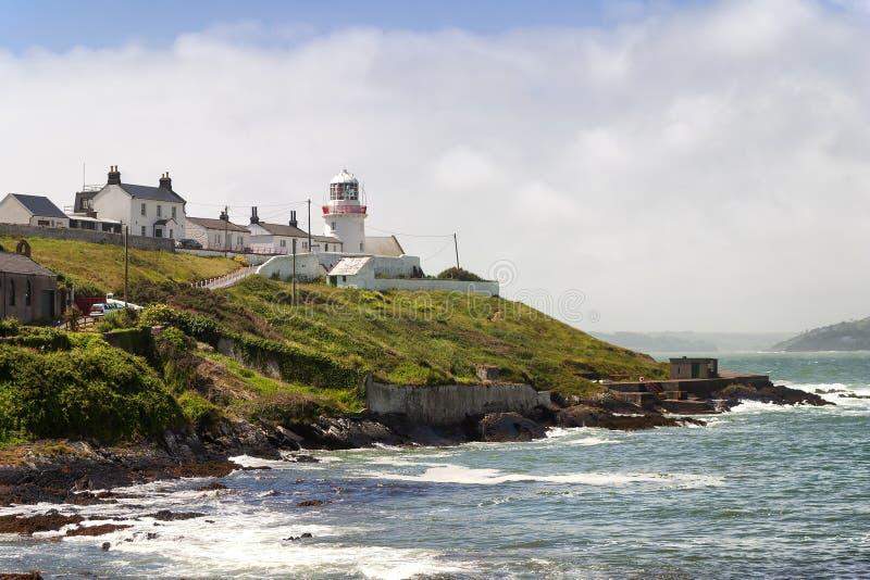 Roches punktu latarnia morska w Korkowym Irlandia fotografia royalty free