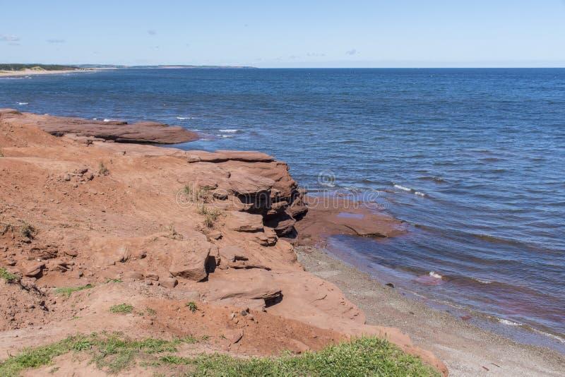 Roches rouges sur la plage de Cavendish, prince Edward Island photos libres de droits