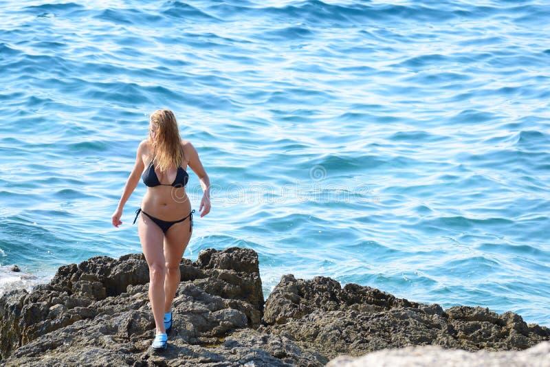rocheux blond de plage photographie stock libre de droits