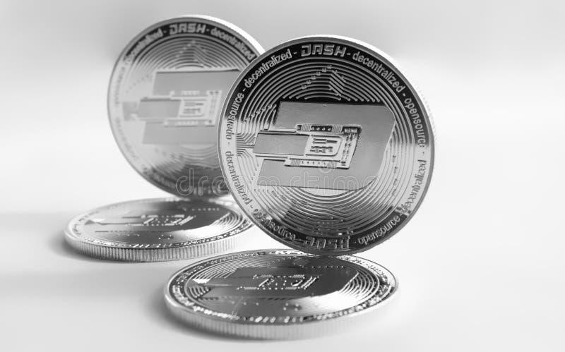 Rociada digital de las monedas de plata de la moneda Crypto imagenes de archivo