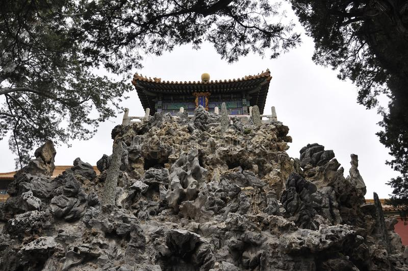 Rock-Bildungen im Kaisergarten von der Verbotenen Stadt von Peking lizenzfreie stockbilder