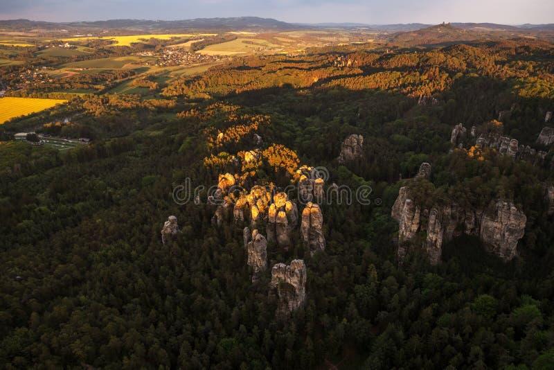Rock city in Bohemian Paradise en République tchèque sur photo aérienne photo libre de droits