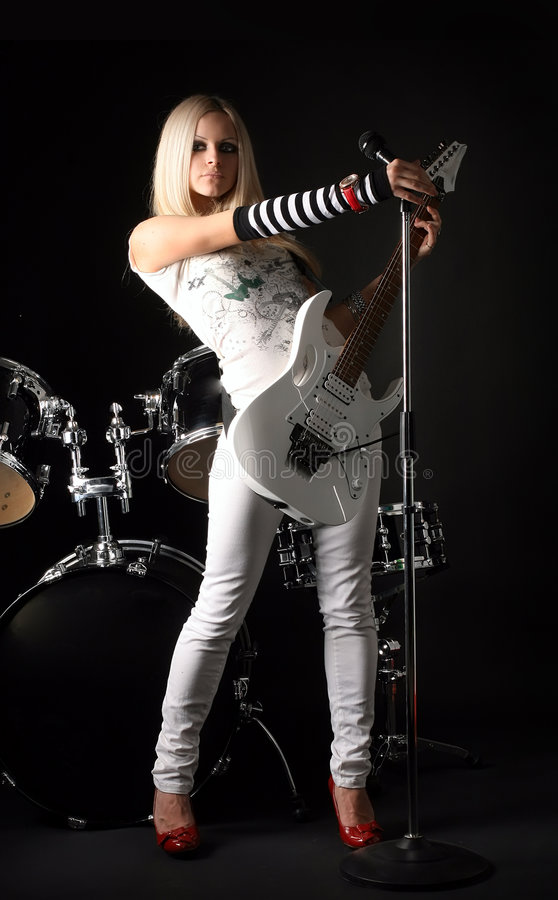 Free Rock-n-roll With The Beautiful Blonde Royalty Free Stock Photography - 7775837
