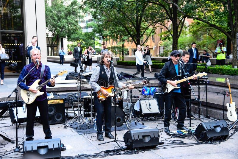 Rockband, der im Straße Musik-Festival in New York spielt stockbilder