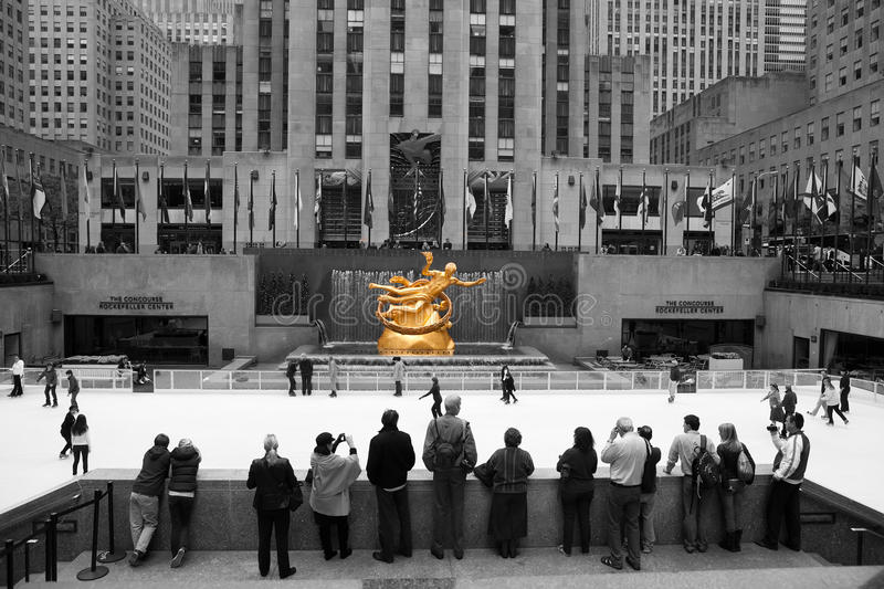 Download Rockefeller Centre Skating editorial photo. Image of attraction - 21901671