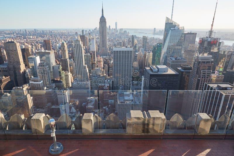 Rockefeller centrum obserwaci pusty pokład i empire state building w Nowy Jork zdjęcie royalty free