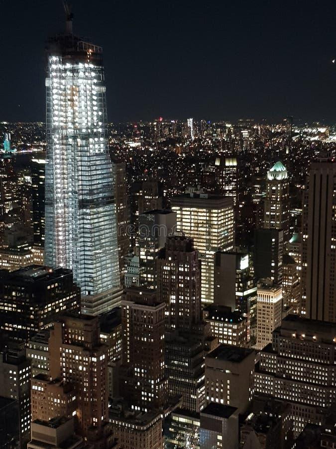 Rockefeller-Mitte nachts New York gesehen von oben lizenzfreie stockfotos