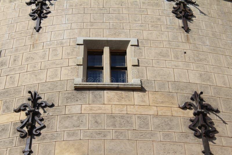 Rockera fönstret, den Bojnice slotten i Slovakien, arkitektur fotografering för bildbyråer
