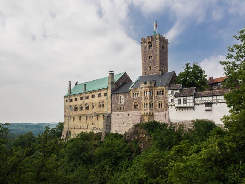 Rockera Wartburg nära till staden Eisenach, Tyskland royaltyfri foto