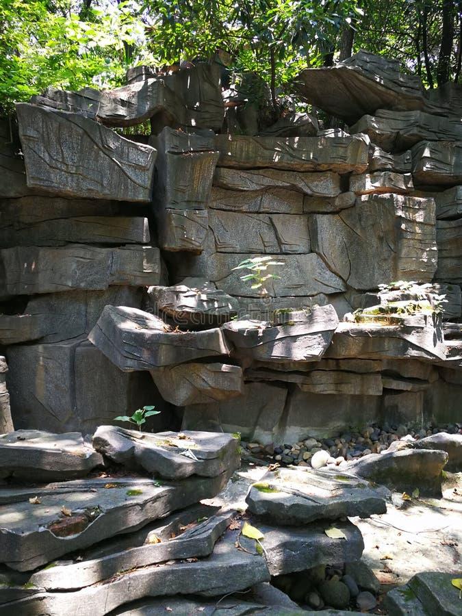 Rockery del giardino fotografie stock libere da diritti